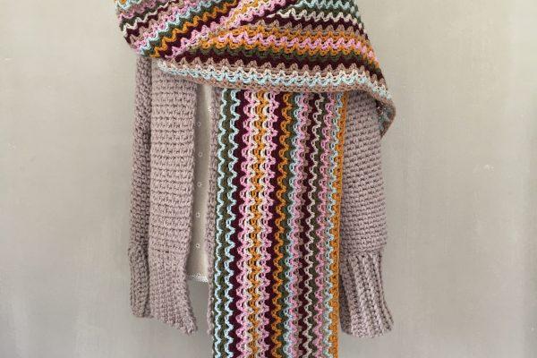 Patroon gehaakte Sjaal in V-stitch