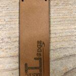Leren Label Cognac - logo Basic Lodge
